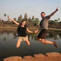 Saut de puce devant Angkor Vat !