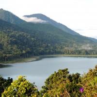Le lac Danau Buyan