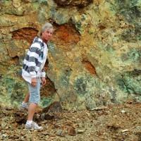 Jean-Louis près d'un gisement de garniérite