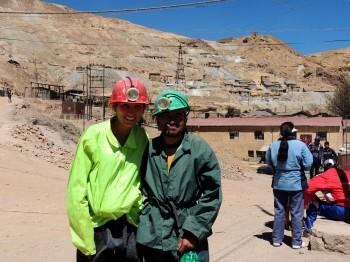 Marie et Antonio avant la descente dans la mine