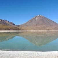Le reflet du Licancabur dans la laguna verde