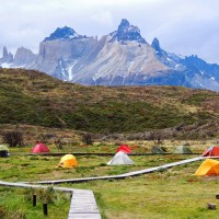 Posés dans le camping Pehoé